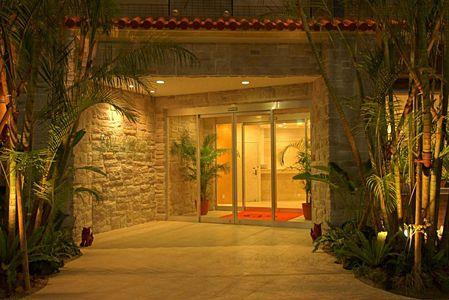 ホテルグランビュー沖縄 正面玄関\r\n