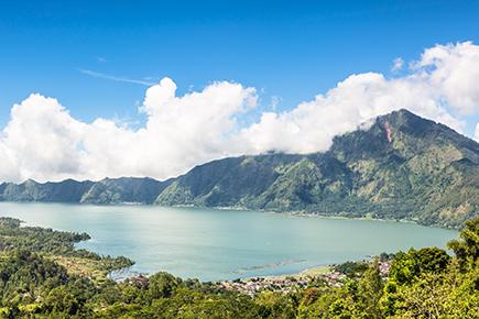 《世界遺産》バトゥール湖