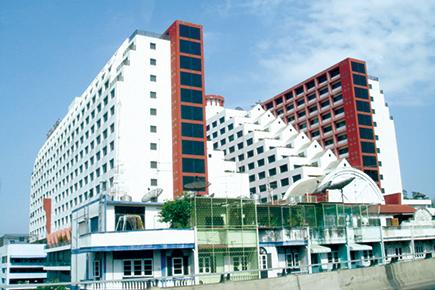 ツインタワーホテル